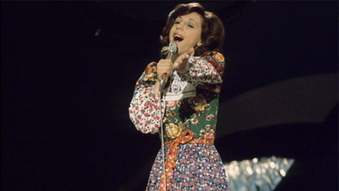 Semiha Yankı Türkiye adına Eurovizyon Şarkı Yarışmas'ına katılan ilk sanatçı (1975)
